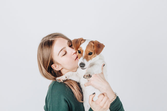 Essential Oils and Your Pets: Pros and Cons